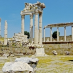 ruins-765900_640
